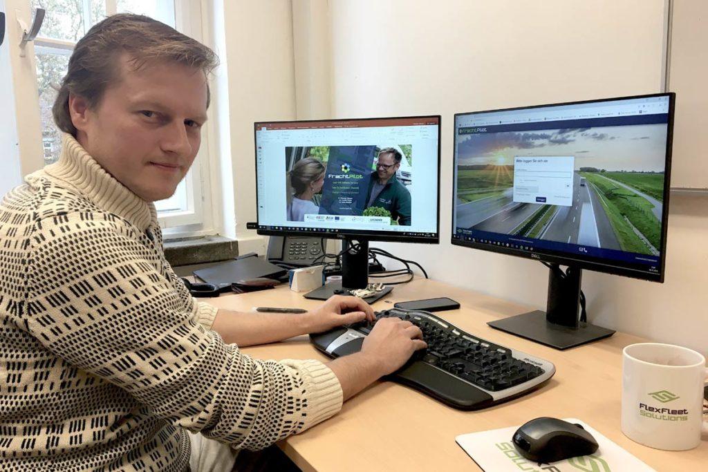 Sebastian Terlunen am Arbeitsplatz